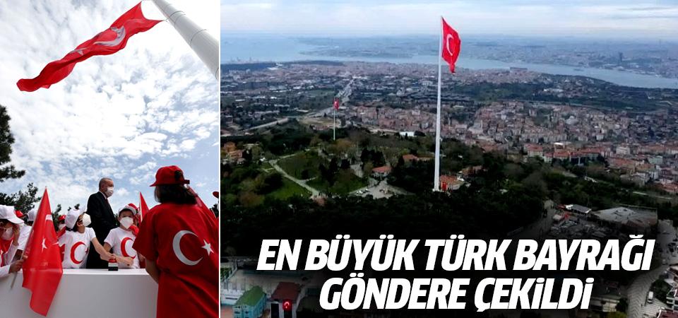 Erdoğan en büyük Türk bayrağını çocuklarla göndere çekti