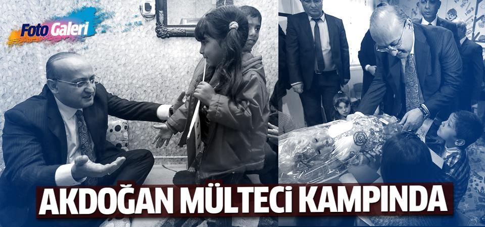 Başbakan Yardımcısı Akdoğan Kilis'te Suriye'li mültecileri ziyarette