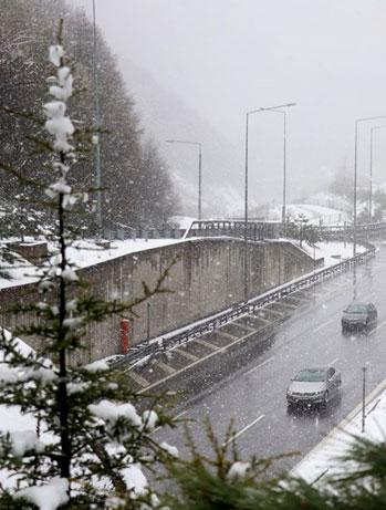 Bolu'da kar etkili olmaya devam ediyor!